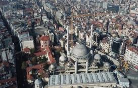 Taksim Camisi'nin yüzde