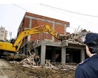 Bursa'da 2 kaçak bina yıkıldı!