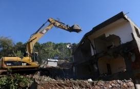 Kartal'daki metruk binalar yıkılıyor!