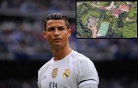 İşte Cristiano Ronaldo'nun İtalya'daki evi!