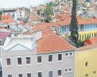 İzmir Kurtuluş Mahallesi'ndeki binaların bakımsızlığı dikkat çekiyor!