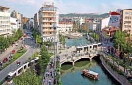 Öğrenciler Eskişehir'de emlak piyasasını hareketlendirdi!