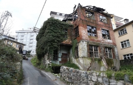 Rize'de tinercilerin mekanı haline gelen bina yıkıldı!