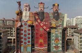Çin'den üç tanrı heykeli şeklinde otel! Görenler çok şaşırıyor!