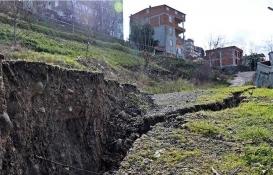 Samsun'da heyelan: 2 katlı ev tahliye edildi!