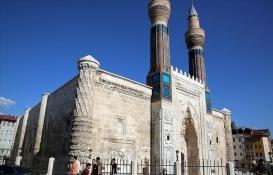 Tarihi 'mavi medrese' müzeye dönüştürülecek!