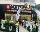Realty World yeni ofisini Çeşme'de açtı!