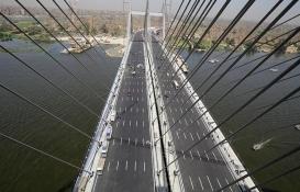 Dünyanın en uzun asma köprüsü açıldı!