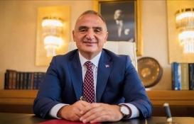 Mehmet Nuri Ersoy'dan Galata Kulesi yorumu: Yapılan işlem doğru ama hiltinin kullanılması yanlış!