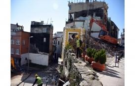 Fatih Cankurtaran'da 2 riskli yapı yıkılıyor!