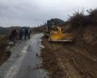 Akhisar'da çöken yola Manisa Büyükşehir müdahalesi!
