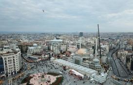 Taksim Camii minaresinin külah bölümü yerleştirildi!