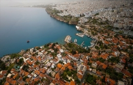 Yabancılar geçen yıl en çok İstanbul ve Antalya'dan konut aldı!