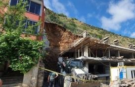 Gümüşhane'de heyelan: 2 bina tahliye edildi!
