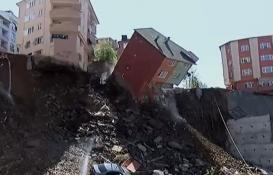Kağıthane'de boşaltılan evlerden biri çöktü!