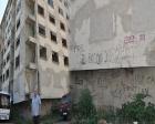 İzmit Körfez Mahallesi'ndeki eski binanın yıkımı için çağrı!