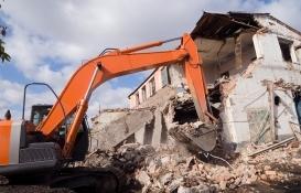 Bornova'da riskli yapılar ortadan kaldırılıyor!