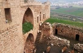 Mardin Artuklu'daki eski ev çöktü!