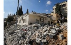 İsrail Batı Şeria'da yaşayan Filistinlilere ait evleri yıktı!