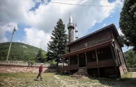 Bursa'daki çivisiz cami yıllara meydan okuyor!