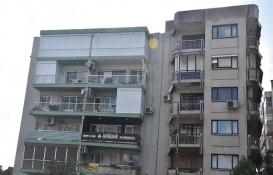 İzmir'de eğik bina endişesi!