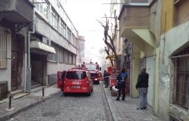 Fatih'te yangında 4 katlı metruk bina yıkıldı!