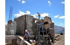 Muş Şenyaylalılar terör nedeniyle yıkılan evlerini yeniden inşa ediyor!