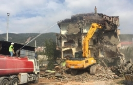 Körfez'de 10 ayda 26 riskli yapı yıkıldı!