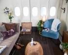 Schiphol Havaalanı'nda park halindeki uçağı ev yaptılar!