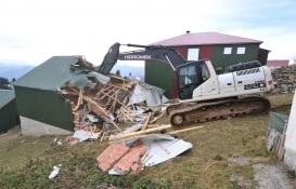 Trabzon'da 5 kaçak yapı yıkıldı!