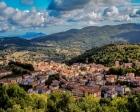 İtalya Sardunya Adası'ndaki tarihi taş evler 1 euro bedelle satışta!
