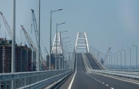 Vladimir Putin, Kırım Köprüsü'nün demiryolu kısmını hizmete açtı!