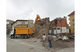 Erzurum'da çöken binanın çevresindeki 10 bina için yıkım kararı!