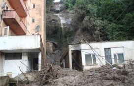 Rize Dağsu Mahallesi'nde 2 bina tahliye edildi!