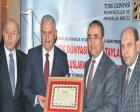 Binali Yıldırım Demir İpek Yolu Üstün Hizmet Nişanı ödülünü aldı!