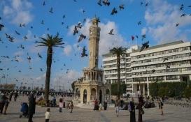 İzmir Büyükşehir Belediyesi binasında hasar tespit çalışması başladı!