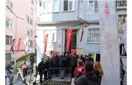 Ahmet Hamdi Tanpınar'ın evine 'bu binada yaşadı' tabelası asıldı!