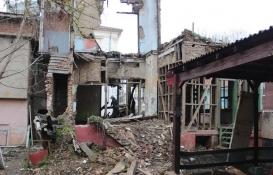Şehirlerin güvenliği için metruk binalar yıkılıyor!