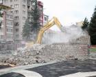 Eskişehir İstasyon Meydanı'ndaki trafo binası yıkıldı!
