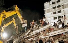 Hindistan'da bina çöktü: 4 ölü, 4 yaralı!