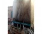Kocaeli Körfez'de dört katlı mobilya mağazası yandı!