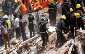 Hindistan'da bir binanın çökmesi sonucu 5 kişi öldü!