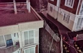 Sakarya'da bir sitenin istinat duvarı çöktü: 24 daire boşaltıldı!