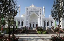 Çeçenistan'da Avrupa'nın en büyük camisi açıldı!