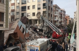 İstanbul Bahçelievler'de boş bina çöktü!