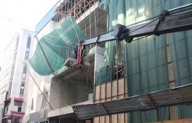 İzmit Kızılay İş Merkezi yıkıldı!