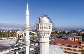 Depremde minaresi yıkılan Hacı Ahmet Tükenmez Camii'yi fırtına vurdu!