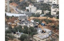 İsrail askerleri Batı Şeria'da Filistinlilere ait iki evi yıktı!