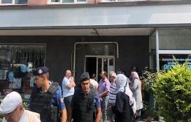 Ataşehir'de riskli bina boşaltılırken arbede yaşandı!