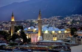 Bursa'da tarihi Ulu Cami ve çarşıların etrafındaki eski yapılar yıkılıyor!